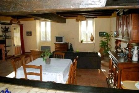 Sale house / villa St pierre montlimart 278900€ - Picture 3