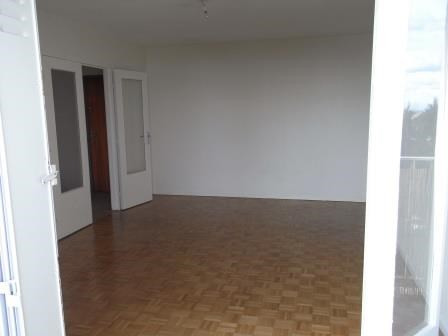 Rental apartment Oullins 918€ CC - Picture 1