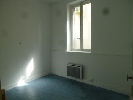 Location appartement St  genis laval 435€ CC - Photo 2