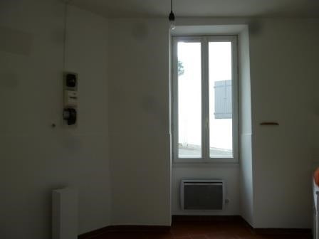 Location appartement St  genis laval 435€ CC - Photo 5