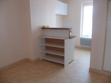 Location appartement Saint-omer 329€ CC - Photo 2