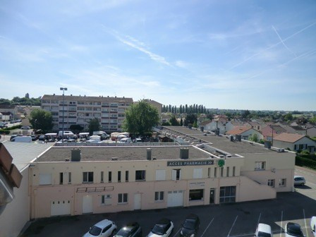 Rental apartment Chatenoy le royal 790€ CC - Picture 3
