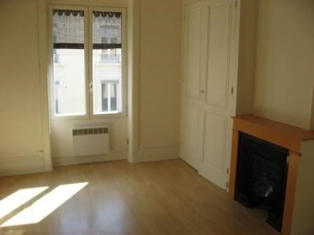 Rental apartment Oullins 517€ CC - Picture 2