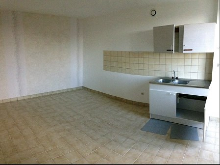 Location maison / villa Montfaucon montigne 300€ CC - Photo 1