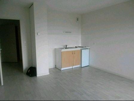 Sale apartment La roche sur yon 70400€ - Picture 2