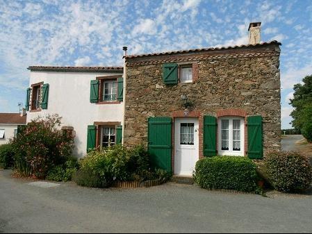 Vente maison / villa St georges de montaigu 134400€ - Photo 1