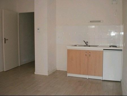 Rental apartment La roche sur yon 308€ CC - Picture 1
