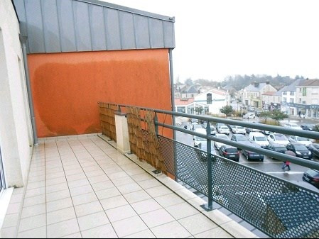 Rental apartment Aizenay 655€ CC - Picture 6