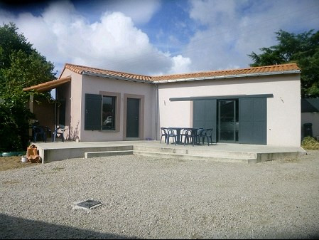 Sale house / villa Remouille 299490€ - Picture 2