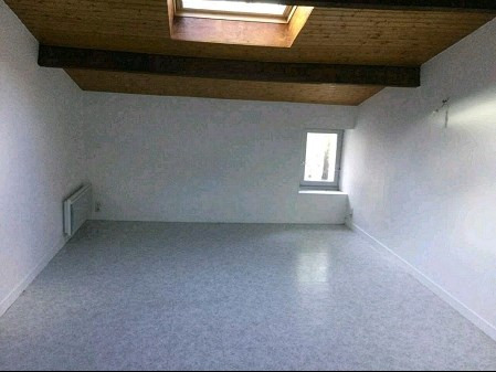 Location appartement Vallet 360€ CC - Photo 1