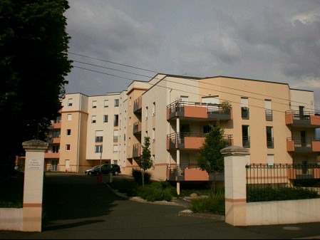 Rental apartment La roche sur yon 693€ CC - Picture 1