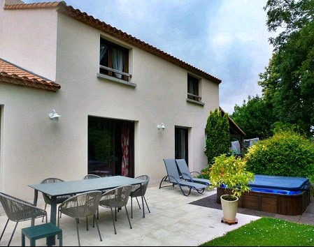 Sale house / villa Haute goulaine 388000€ - Picture 1