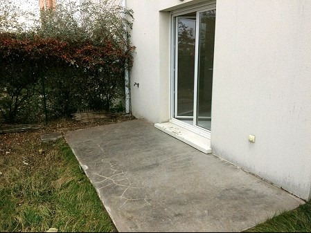 Location maison / villa La roche sur yon 625€ CC - Photo 2