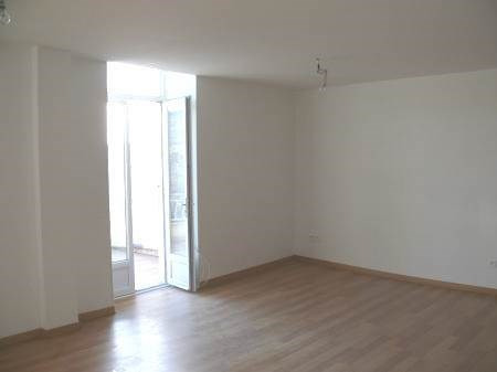 Location appartement Villeneuve-de-berg 550€ CC - Photo 5