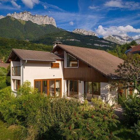 Deluxe sale house / villa Menthon st bernard 888000€ - Picture 1