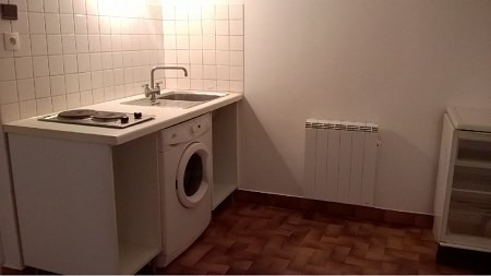 Location appartement Lyon 4ème 451€ CC - Photo 1