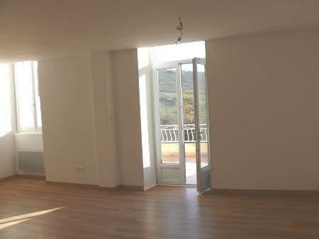 Location appartement Villeneuve-de-berg 550€ CC - Photo 4