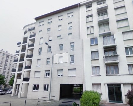 Location parking Villeurbanne 182€ CC - Photo 1