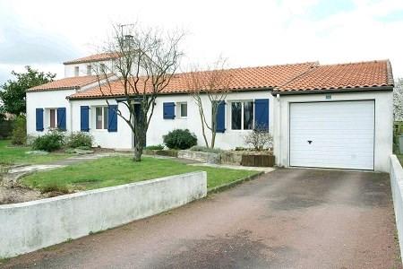 Sale house / villa St georges de montaigu 233000€ - Picture 1