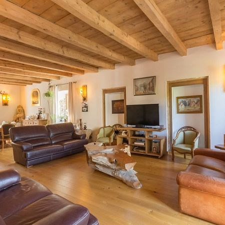 Deluxe sale house / villa Annecy 599000€ - Picture 1