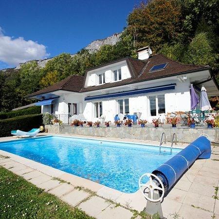 Deluxe sale house / villa Veyrier du lac 1850000€ - Picture 1