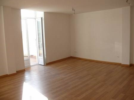 Location appartement Villeneuve-de-berg 550€ CC - Photo 2