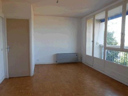 Location appartement Genay 602€ CC - Photo 3