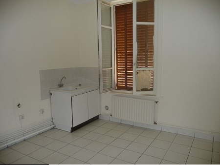 Location appartement Lyon 3ème 505€ CC - Photo 2