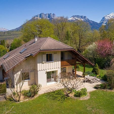 Deluxe sale house / villa Annecy 997 000€ - Picture 1