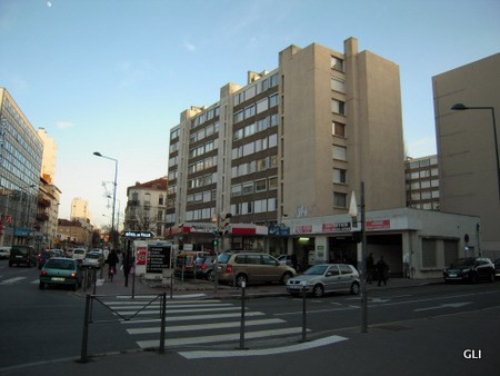 Rental apartment Villeurbanne 786€ CC - Picture 2