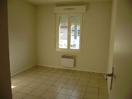 Location appartement Artix 573€ CC - Photo 2