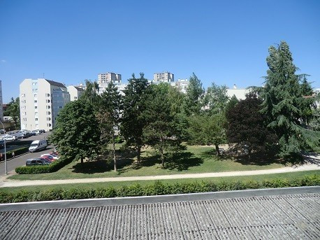 Rental apartment Chalon sur saone 408€ CC - Picture 2