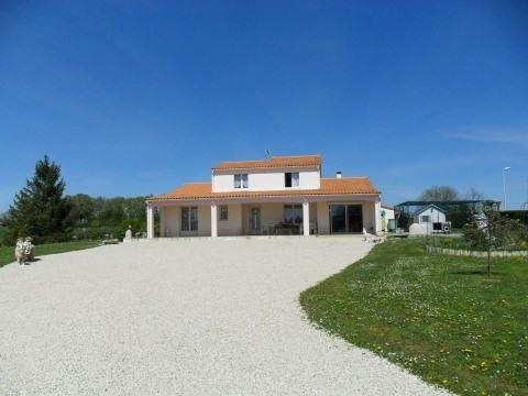 Sale house / villa Chives 211000€ - Picture 1