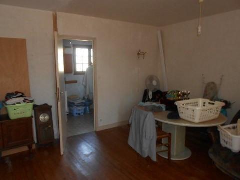 Sale house / villa Varaize 118000€ - Picture 2