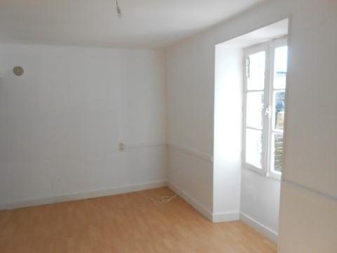 Sale house / villa Aulnay 43900€ - Picture 1