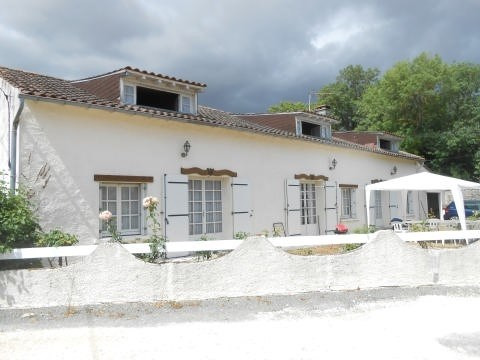 Sale house / villa St jean d angely 117000€ - Picture 10