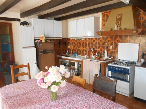 Sale house / villa St jean d angely 117000€ - Picture 2