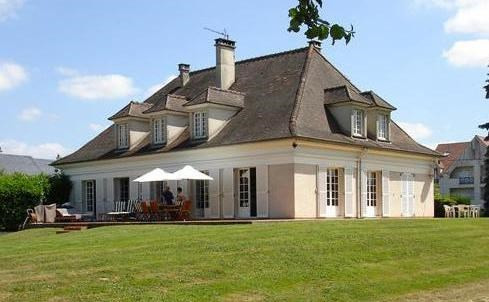 Sale house / villa Villeneuve le comte 850 000€ - Picture 1