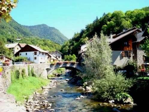 Vente maison / villa Taninges 400000€ - Photo 2