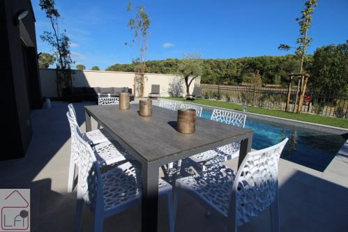 Location vacances - Villa 5 pièces - 120 m2 - Castelnau le Lez - Photo