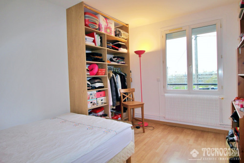 Sale - Apartment 6 rooms - 94 m2 - Le Chesnay - Photo