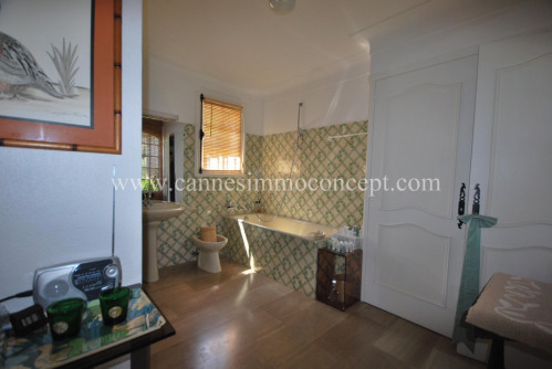 Deluxe sale - Villa 7 rooms - 367.28 m2 - Grasse - Photo