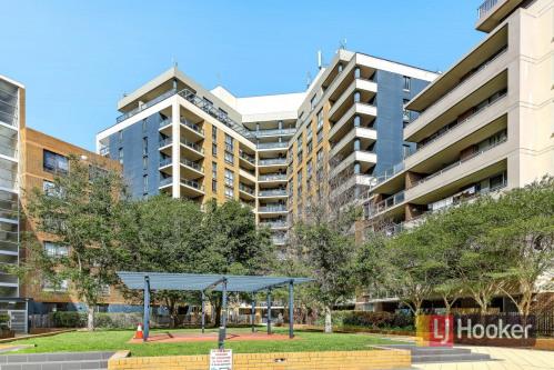 出售 - 公寓 - Auburn - Photo