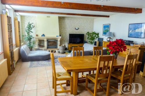 Verkauf - Villa 5 Zimmer - 145 m2 - Sens - Photo
