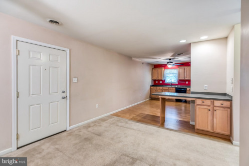 Продажa - Studio - 122,35 m2 - Reading - Photo