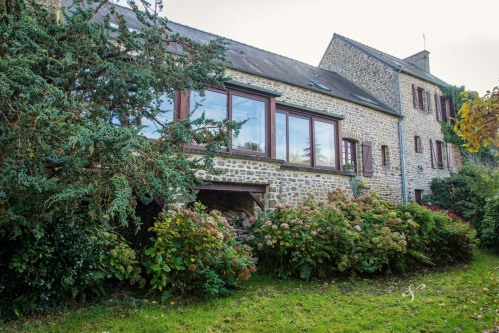 Sale - Residence 10 rooms - 266 m2 - Le Mont Saint Michel - Photo