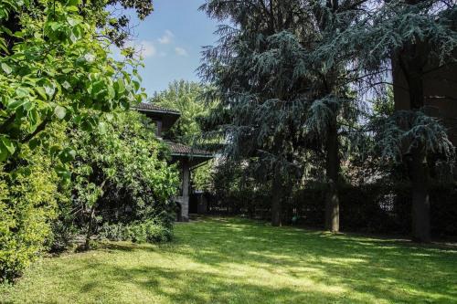Vente - Villa 10 pièces - 615 m2 - Milan - Photo