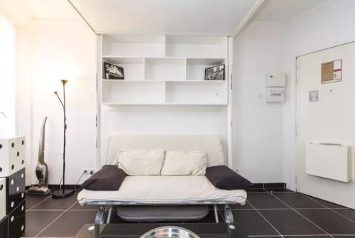 Location - Studio - 14 m2 - Paris 9ème - Photo
