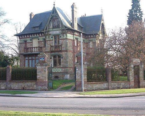 Sale house / villa Formerie 239000€ - Picture 1