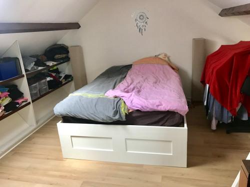 Location - Duplex 2 pièces - 45,37 m2 - Voisins le Bretonneux - Chambre - Photo
